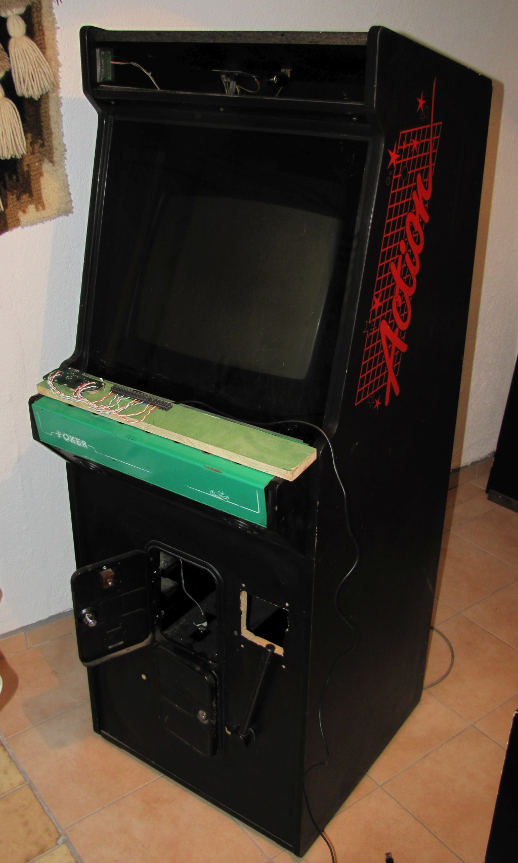 my very unfinished arcade-cab